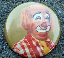 old vintage COMICAL CLOWN CIRCUS pinback pin