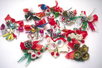 6 old vintage CHRISTMAS CORSAGES ~ PINE CONE