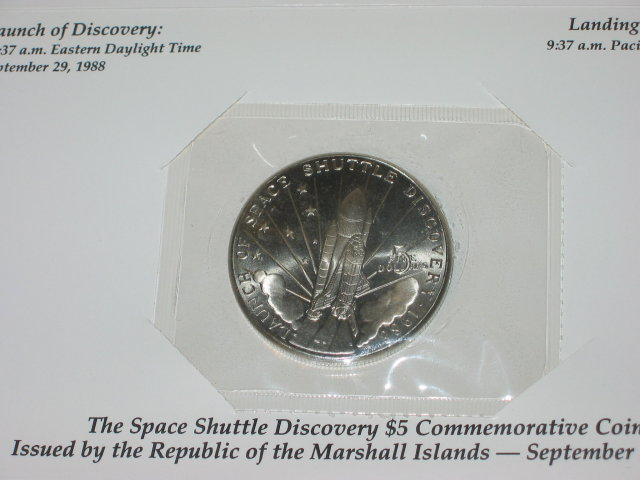 old vintage 1988 SPACE SHUTTLE DISCOVERY coin