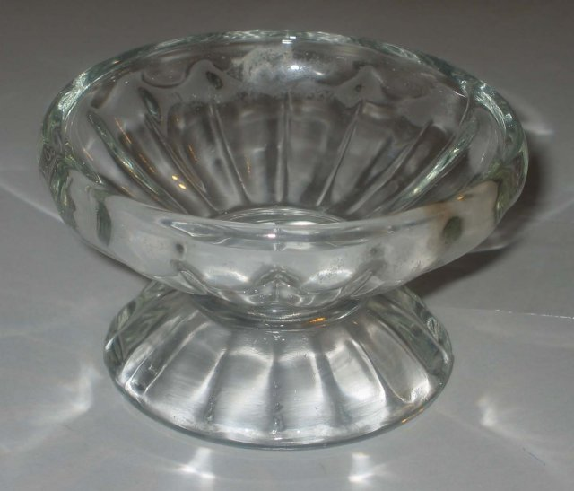 4 old vintage faceted Glass Custard Cups