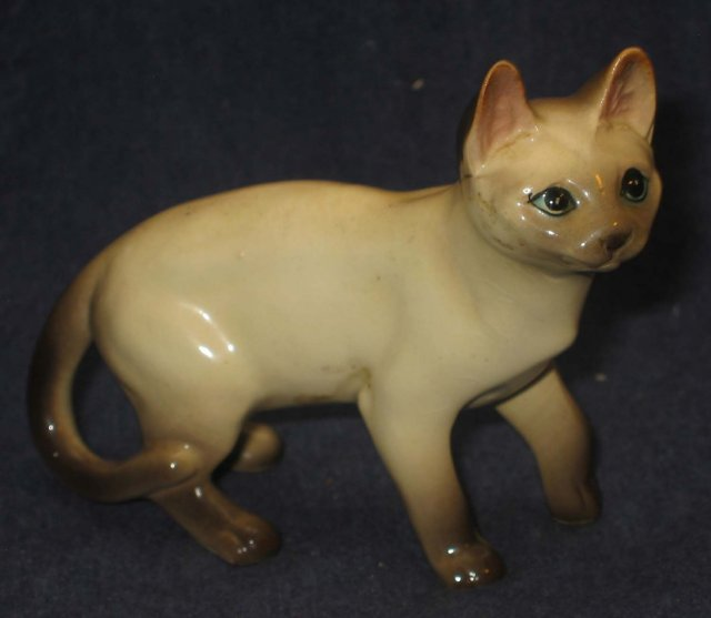 old vintage LIGHT CREAM Cat Statue Figurine * blue eyes