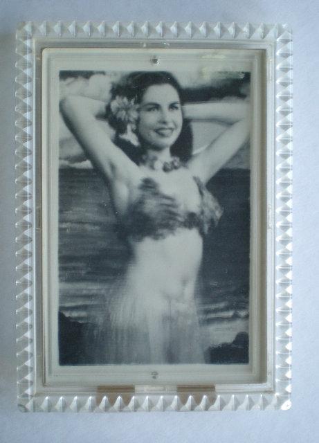 HULA GIRL wiggle picture 1950