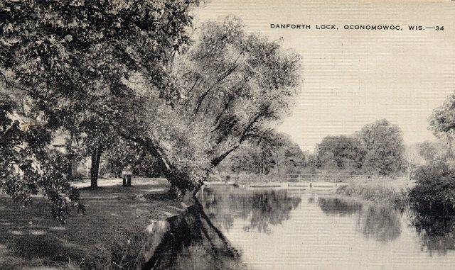 Danforth Lock Oconomowoc Wisconsin Postcard c1940s bw