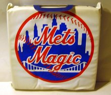 old 1980s KAHN'S Hot Dog Seat Cushion * NY METS
