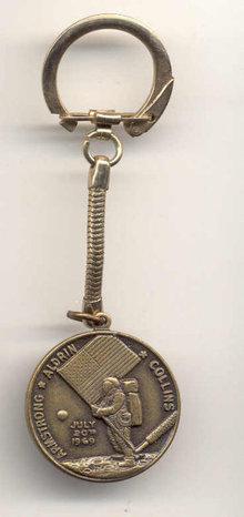 old vintage 1969 APOLLO COIN Keychain