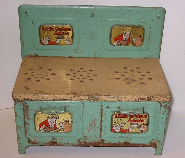 Little Orphan Annie Play Metal Stove Toy 1940s