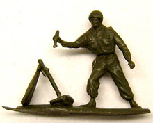 24 vintage TOY ARMY MEN Statue Toys