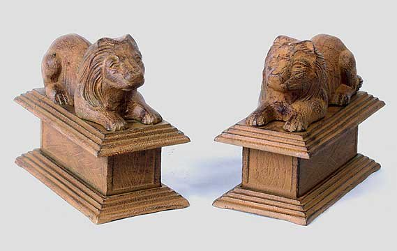 CAST IRON LION STATUES