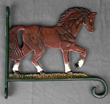 CAST IRON PAINTED HORSE BRACKET