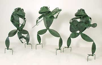 3 MUSICAL METAL GARDEN FROGS * LARGE STATUES