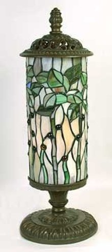 BUTTERFLY SHADE LAMP / LEAD GLASS / NEW ACCENT