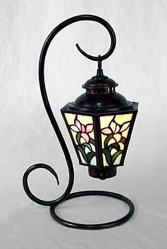 GLASS PANELED FLORAL PARLOR LAMP / NEW