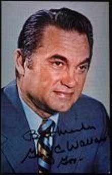 VINTAGE GEORGE WALLACE SIGNED CAMPAIGN PHOTO
