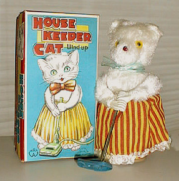 VINTAGE WIND-UP HOUSEKEEPER CAT MAID TOY / mop