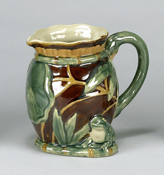 PORCELAIN FROG WATER PITCHER NEW
