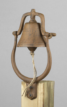 CAST IRON DINNER BELL / NEW