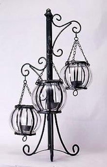 METAL CANDLEHOLDER W GLASS GLOBES