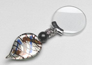 Magnifying Glass Swirled Flat Handle