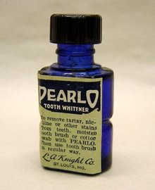 Pearlo Dentist Bottle 1930s