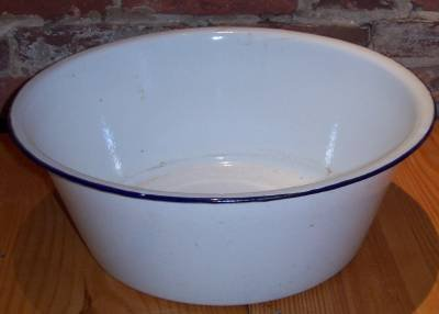 Enamel Wash Basin