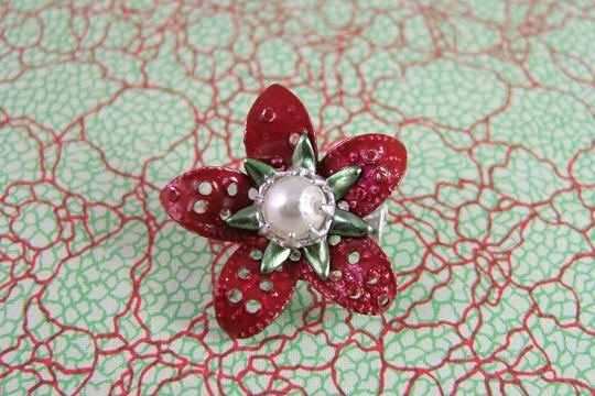 Metal Flower Pin