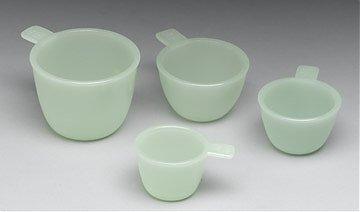 Glass Measure Cups in Jade