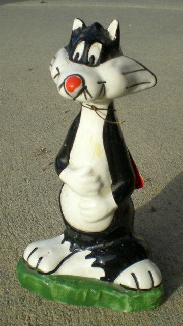 Warner Bros. Sylvester Statue 1970