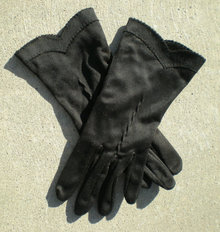 Black Costume Gloves V Wrist