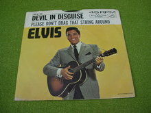 RCA Elvis 45 w/Sleeve Devil in Disguise/Please Don't...