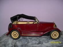 Vintage Tin Litho Friction 1960 car made in Japan