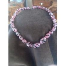 Vintage pink and black glass bead necklace