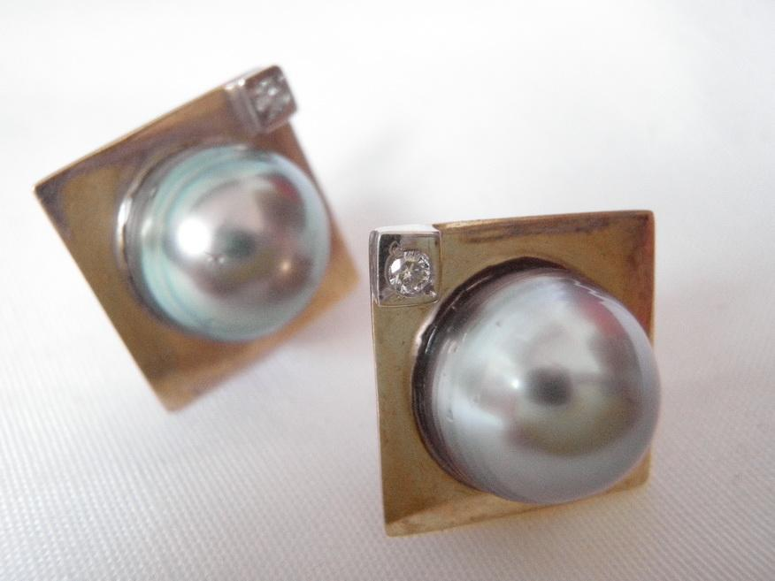 Vintage Earrings 14kt Gold, Gray Baroque Pearl and Diamond
