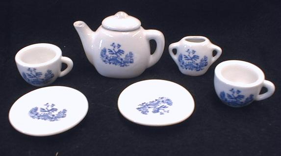 Blue Willow Toy Doll Tea Set Porcelain 7 pc.
