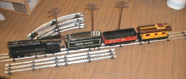 OLD! 1950's Marx O-Scale Tin Train Set - NEAR MINT!