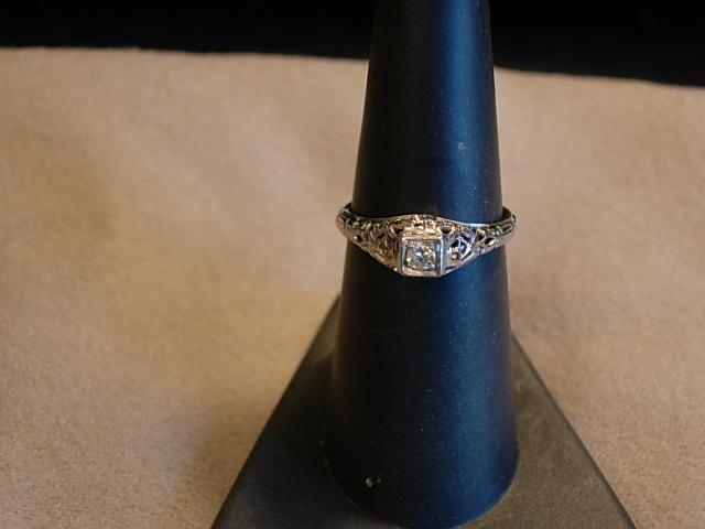 Pretty 18Kt White Gold and Diamond Circa 1920