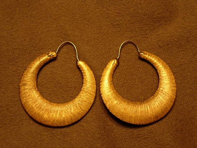 Sleek 1960s 14Kt Yellow Gold Brushed Satin Hoop