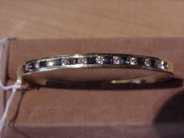 18kt yellow gold diamond and sapphire bracelet
