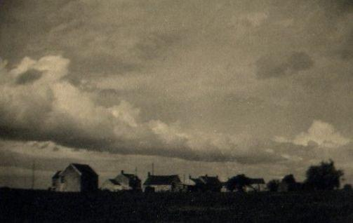 Trude Fleischmann: untitled (horizon with houses and clouds)