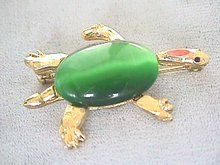 Green Cabachon Turtle Pin, w/ Coral