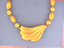 Dauplaise Matte Neck,Swirl Beads,Nice!