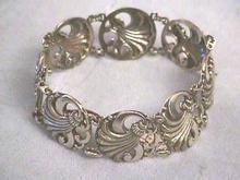 S/S Art Nouveau/Moderne Bracelet-Decadent!