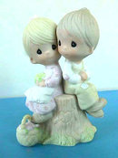 Precious Moments LOVE ONE ANOTHER 1978 MIB