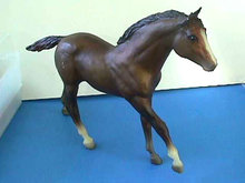 BREYER HORSE BAY BROWN SIGNED