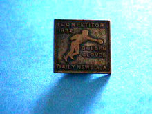 GOLDEN GLOVES Pin Competitor Boxing 1932 Screw RARE