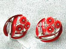 Lisner Red Plastic Flowers & Enamel, S/T Ers