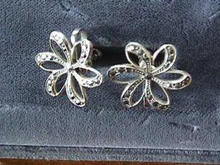 Vint S/S Marc Flower Openwork Ers-Very Pretty
