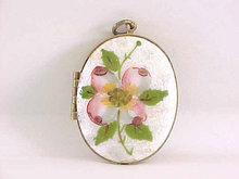 Guilloche Locket Floral Large Oval Photos Vintage So Pretty!