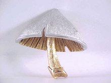 NAPIER Mushroom Pin Two Toned Vintage Chunky