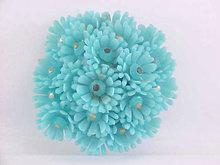 Retro Baby Blue Flower Cluster Pin Resin Vint