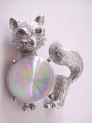 Jewelarama Cat Pin Vintage Aurora Borealis Disc Kitty